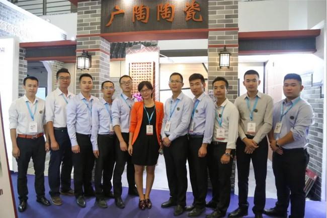 广陶陶瓷外墙砖品牌厂家陶博会告诉你 ,消费到底是升级还是降级!