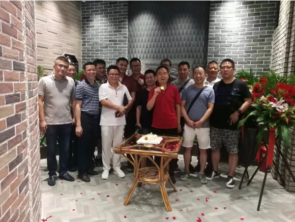 热烈庆祝大连澳门新葡萄京外墙砖品牌旗舰店开业大吉!