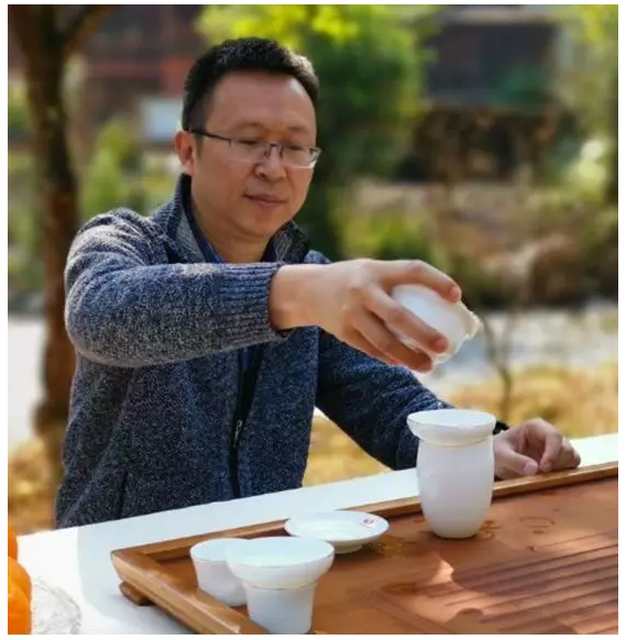 佛山大建材专访广陶总经理钟志城先生,为你讲述30载专注高端外墙砖的隐形冠军之路。